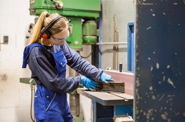 secondary operations in powder metallurgy - deburring